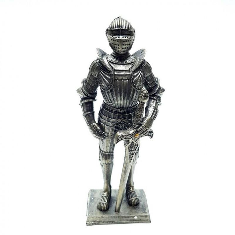 HOL21565  (1-32) Рыцарь 7*4*18см