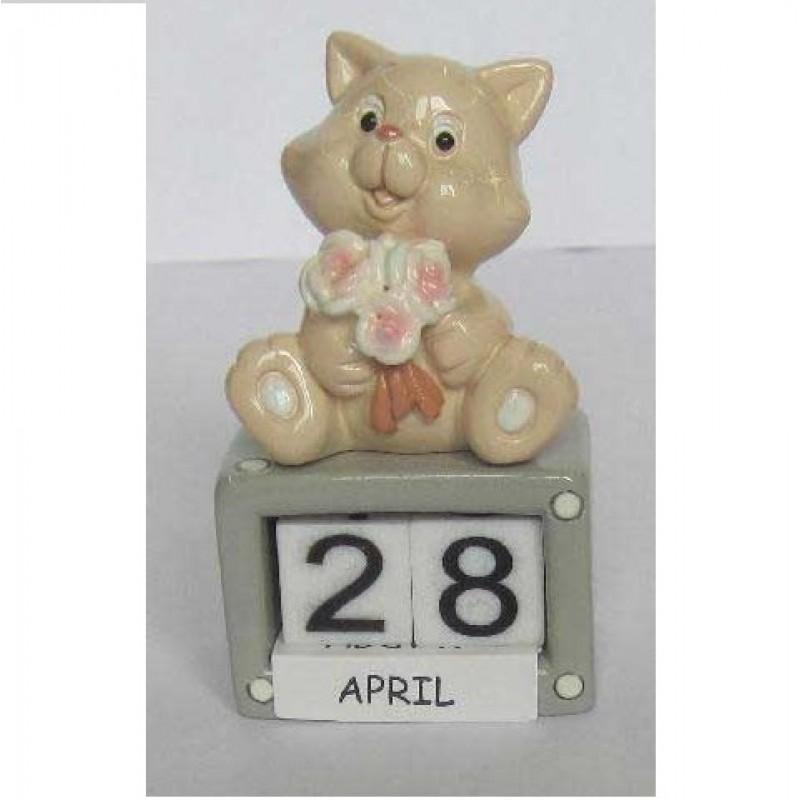 L53676  (12-144) Календарь с котёнком 4*3*7см