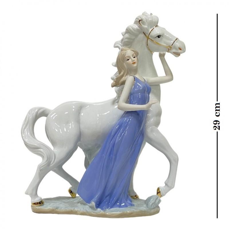 HP 080  (6) Статуэтка Девушка с конем , 30*25 см