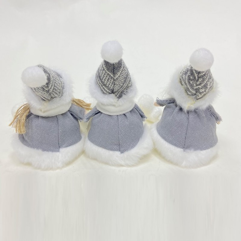 MML16005  (12-720) Снеговик, Санта, Снегурочка с ножками 11см