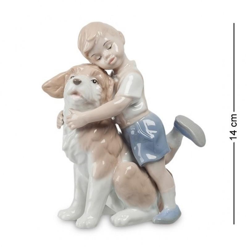 JP- 29/ 1 Фигурка ''Мальчик с собакой'' (Pavone) 14см
