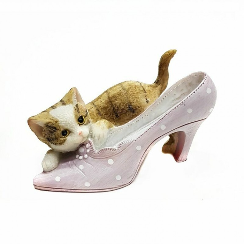 KEN78724  (3-108) Кошка с туфелькой 9.5*6*7см