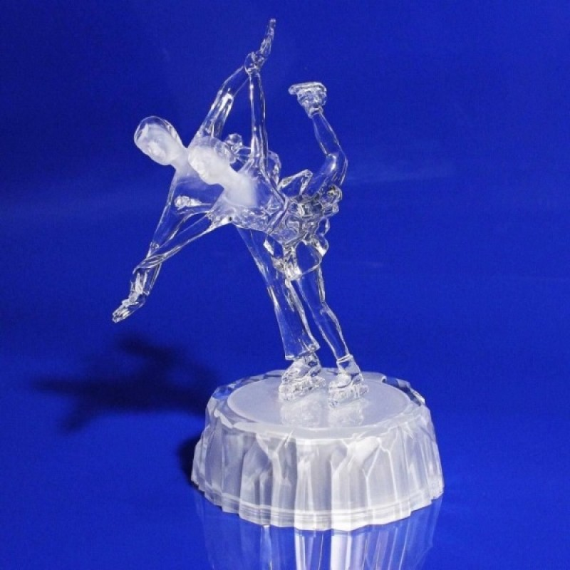 AK8282  (1-8) Парное фигурное катание с подсветкой, 19см