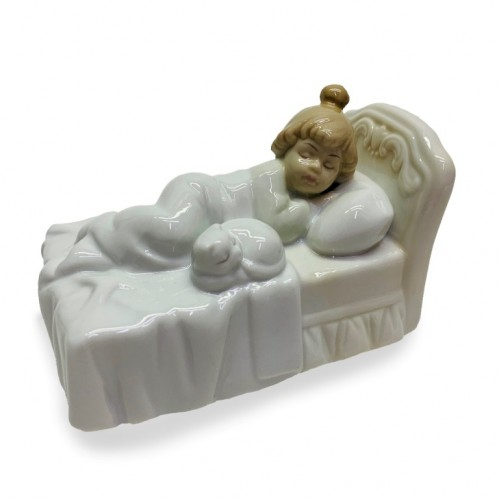 HP3145  (48) Статуэтка Спящая девочка с кошкой 11*7*6см фарфор