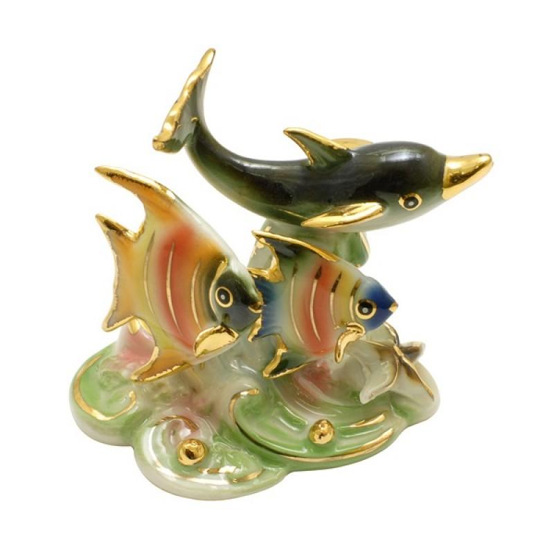 209302  (120) Фигурка Дельфин с рыбками 3 вида, h=6 4,5*7см