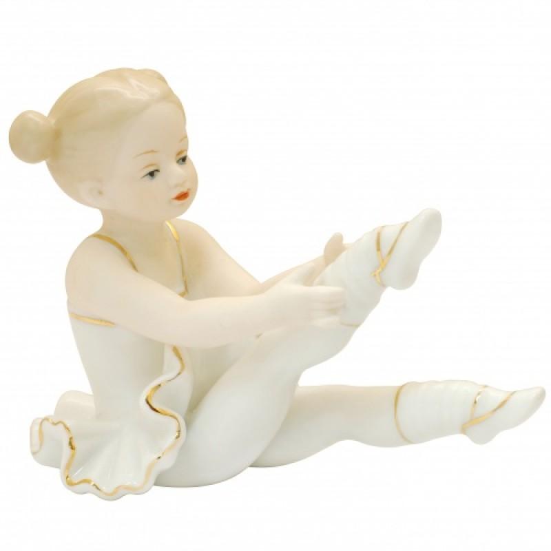 HP2009  (60) Статуэтка Юная Балерина, фарфор  9*12см